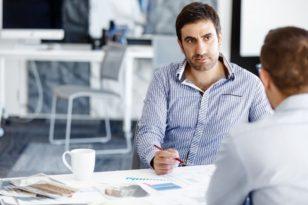 На заметку СЕО средней компании: Что нужно обсудить с акционерами перед подписанием контракта на работу?